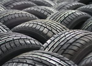 car-tyres-63928_640